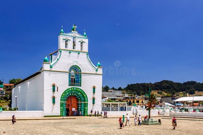 Iglesia adornada, Chamula, México fotografía de archivo