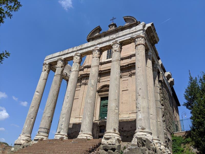 Iglesia antigua en Roma en Roman Forum foto de archivo libre de regalías