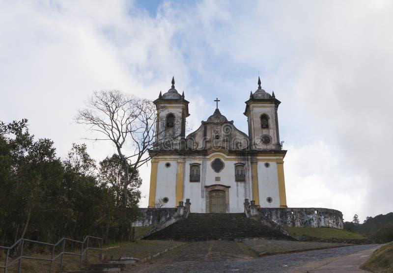Iglesia católica en Minas Gerais, el Brasil foto de archivo libre de regalías