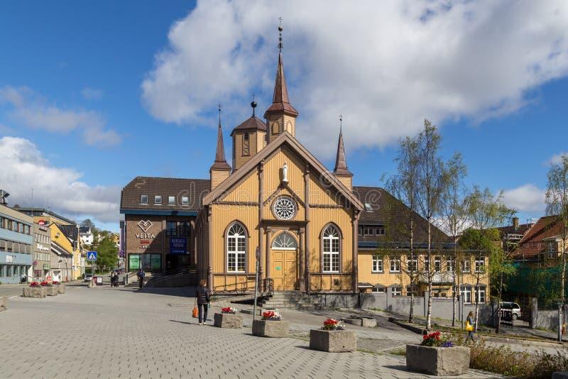 Iglesia católica en Tromso, Noruega imagen de archivo libre de regalías