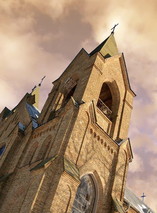 Download Iglesia católica romana imagen de archivo. Imagen de nube - 7283937