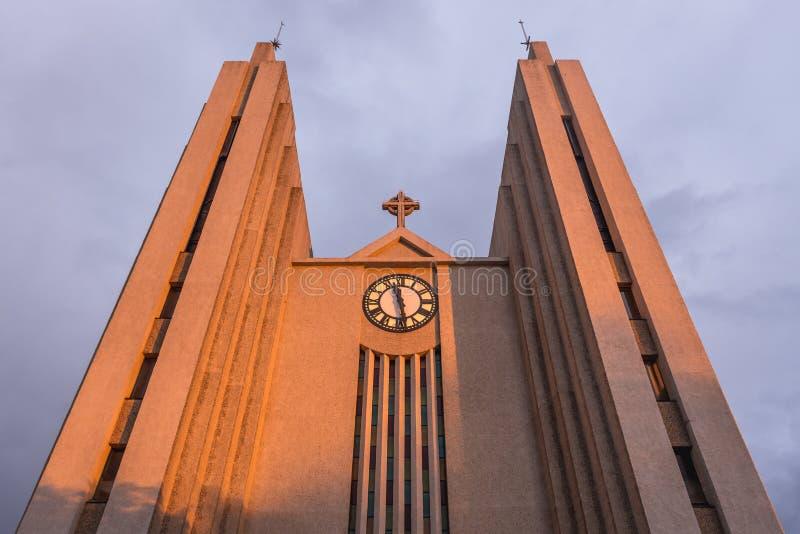 Iglesia de Akureyri imágenes de archivo libres de regalías