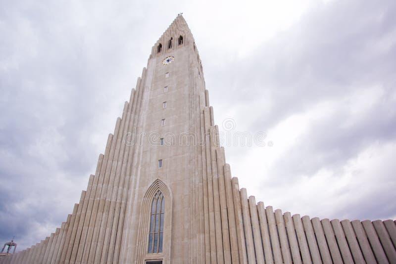 Iglesia de Hallgrimskirkja en Reykjavik, Islandia imagen de archivo libre de regalías
