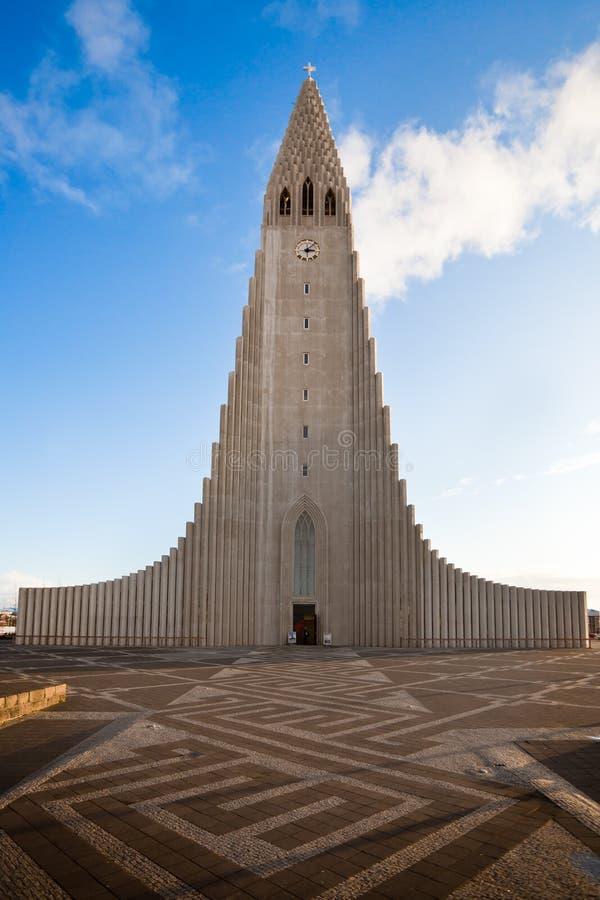 Iglesia de Hallgrimskirkja en Reykjavik, Islandia foto de archivo libre de regalías