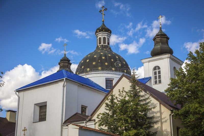 Iglesia de la natividad de la Virgen bendecida en Grodno fotos de archivo