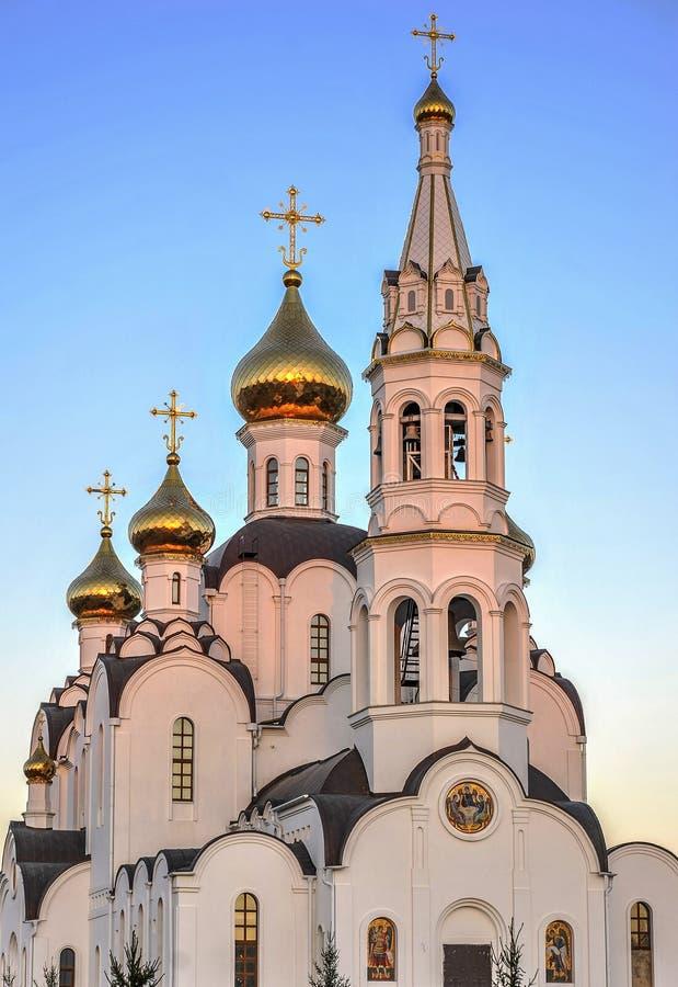Iglesia de la trinidad de Pyatiprestolny en el convento de Iver en Rostov - encendido - D imagen de archivo libre de regalías