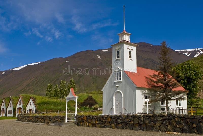 Iglesia de madera blanca fotografía de archivo