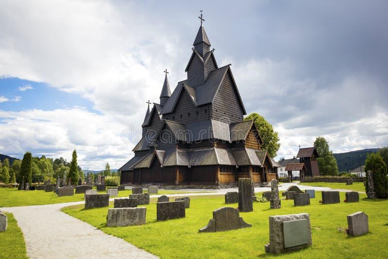 Iglesia de madera medieval del bastón de Heddal en Telemark Noruega fotos de archivo libres de regalías