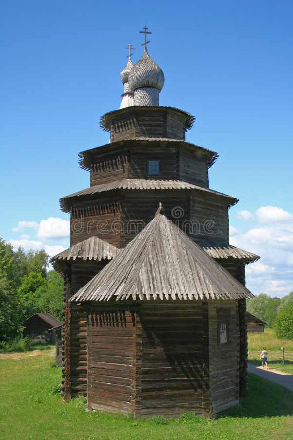 Iglesia de madera rusa foto de archivo libre de regalías