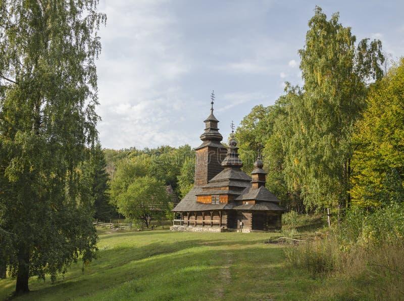Download Iglesia de madera vieja imagen de archivo. Imagen de interesting - 100535169