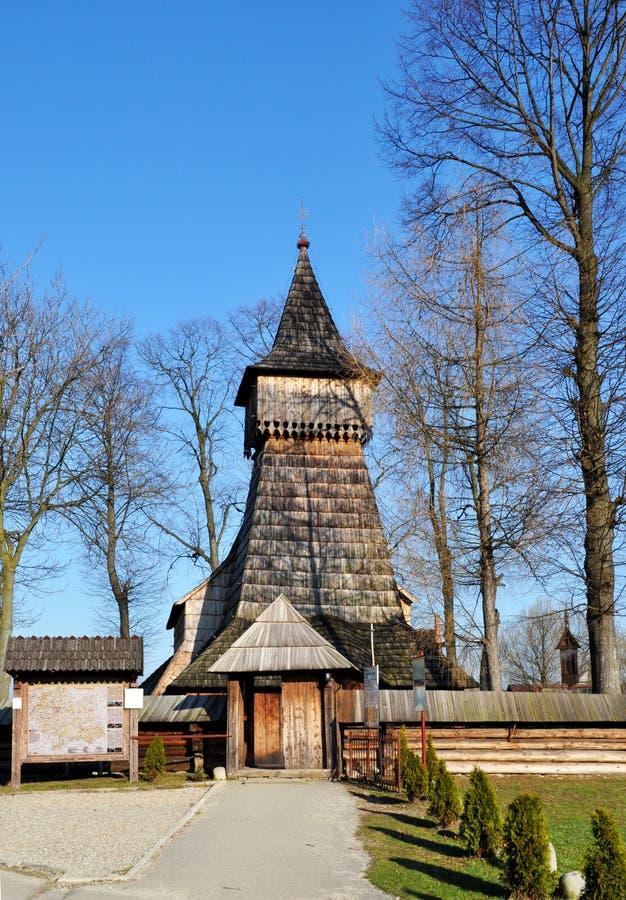 Iglesia de madera vieja en Debno, Polonia fotos de archivo