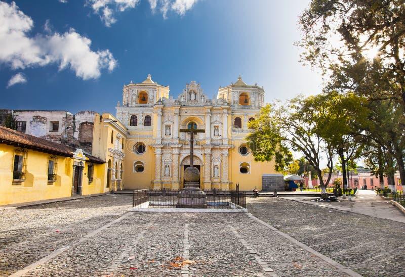 Iglesia de Merced del La en la central de Antigua, Guatemala fotos de archivo libres de regalías