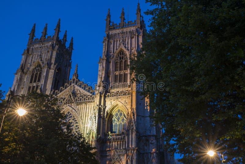 Iglesia de monasterio de York en la oscuridad imagen de archivo libre de regalías