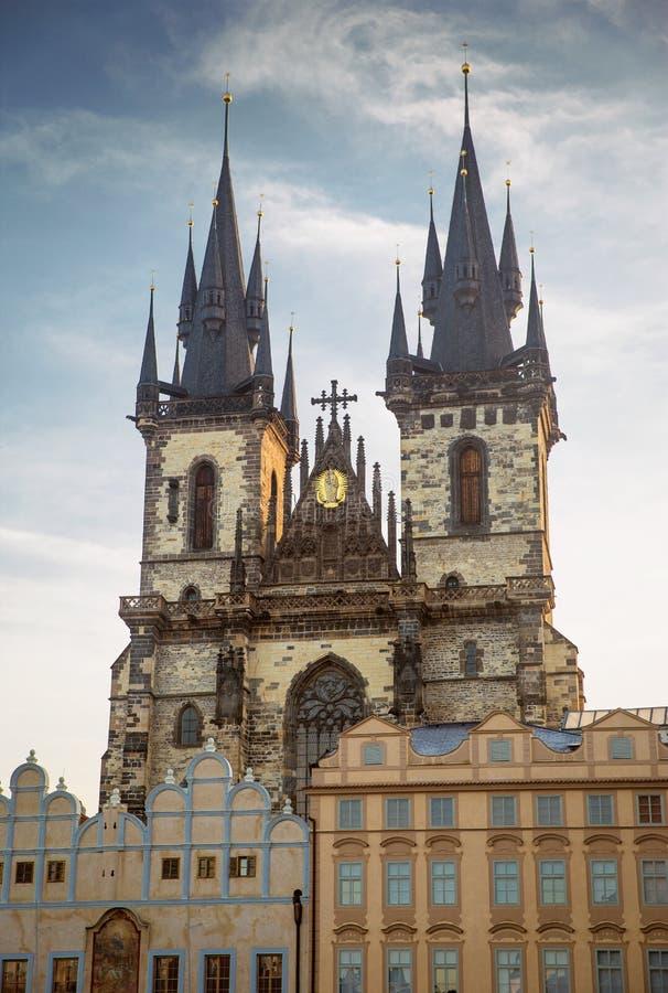Iglesia de nuestra señora antes de Tyn en Praga, República Checa imágenes de archivo libres de regalías