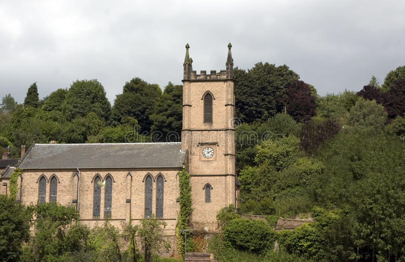 Iglesia de parroquia de St Lucas Ironbridge imagen de archivo