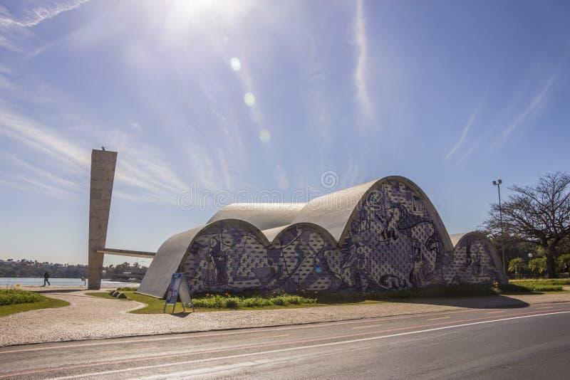 Iglesia de São Francisco de Assis - el lago Pasmpulha fotografía de archivo