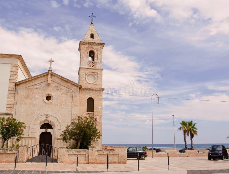 Iglesia de San Francesco da Paola en Savelletri y x28; Brindisi - Italy& x29; imagen de archivo