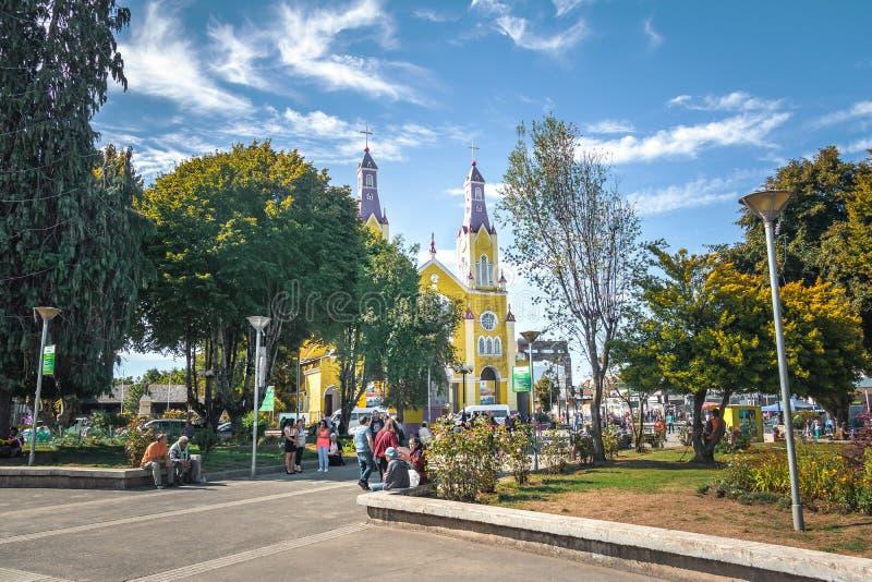 Iglesia de San Francisco en la plaza de Armas Square - Castro, isla de Chiloe, Chile fotografía de archivo