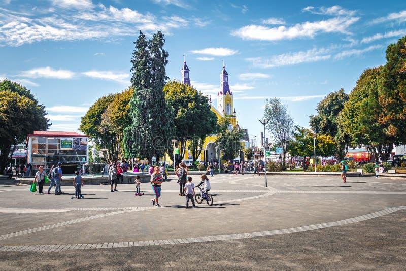Iglesia de San Francisco en la plaza de Armas Square - Castro, isla de Chiloe, Chile foto de archivo libre de regalías