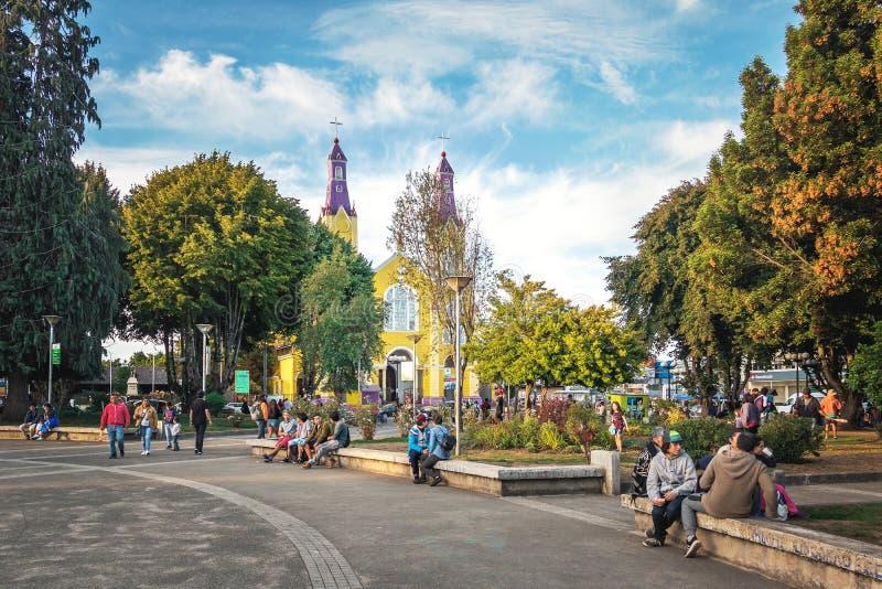 Iglesia de San Francisco en la plaza de Armas Square - Castro, isla de Chiloe, Chile imagen de archivo libre de regalías