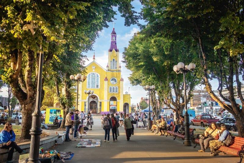 Iglesia de San Francisco en la plaza de Armas Square - Castro, isla de Chiloe, Chile foto de archivo