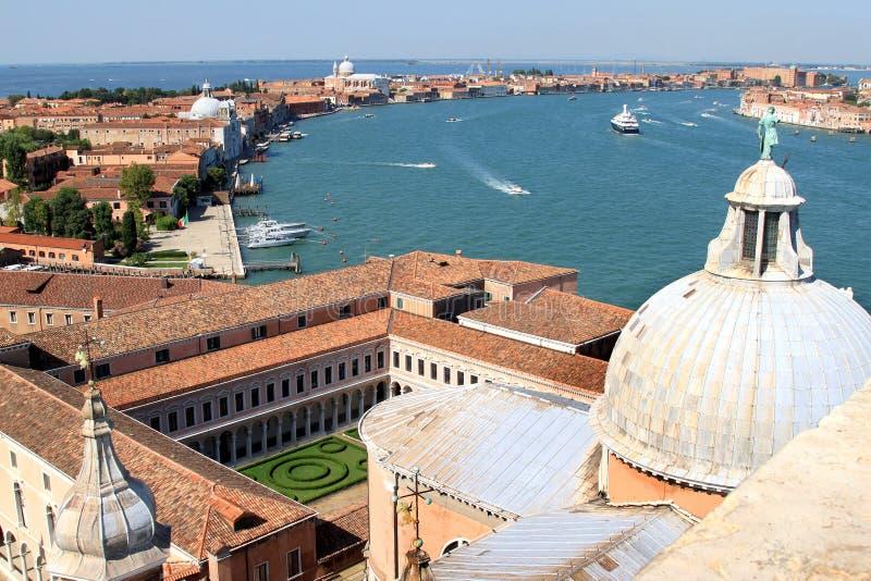 Iglesia de San Jorge Maggiore e isla de Giudecca del La fotografía de archivo