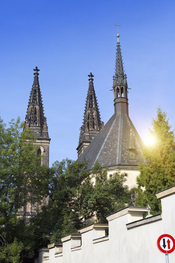 Iglesia de San Pedro y de Paul en Vysehrad en Praga, República Checa foto de archivo libre de regalías
