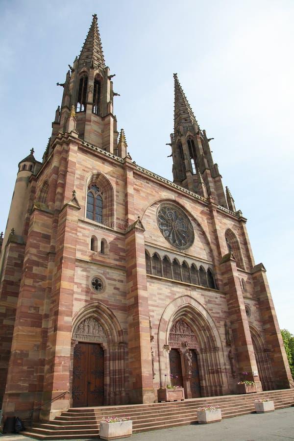 Iglesia de San Pedro y de San Pablo en Obernai, Alsacia, Francia fotos de archivo libres de regalías