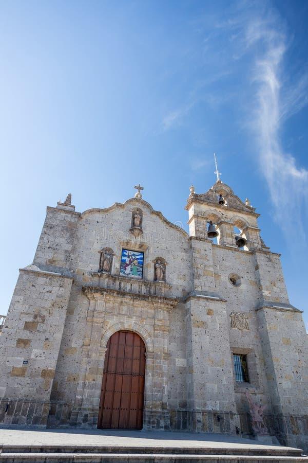 Iglesia de San Pedro, Zapopan, Guadalajara, México fotografía de archivo