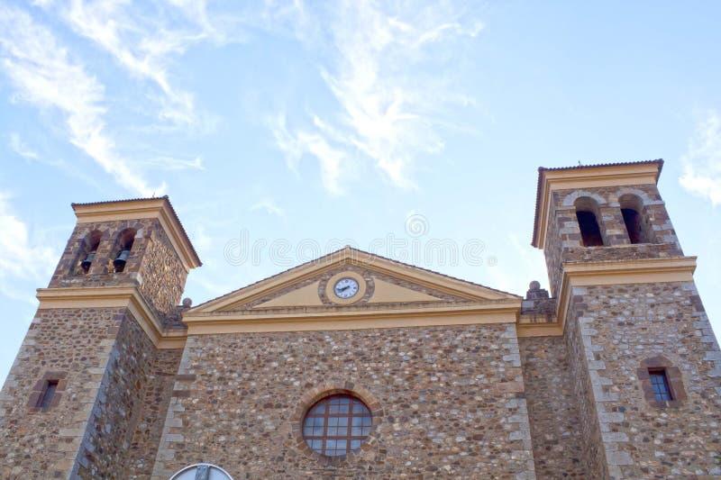 Iglesia de San Vicente, hecha de piedras en Potes fotos de archivo