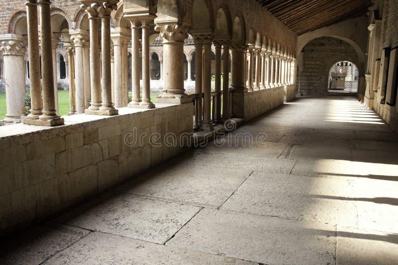 Iglesia de San Zeno del Romanesque en Verona foto de archivo libre de regalías