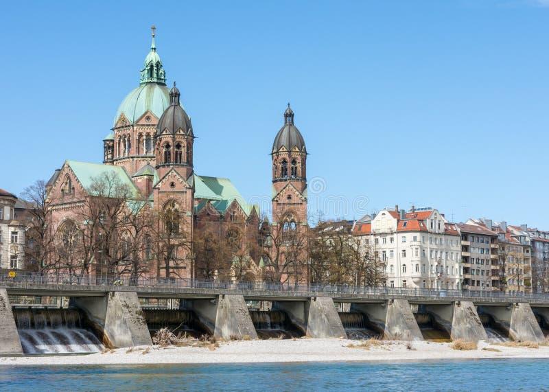 Iglesia de Sankt Lukas en Munich imagenes de archivo