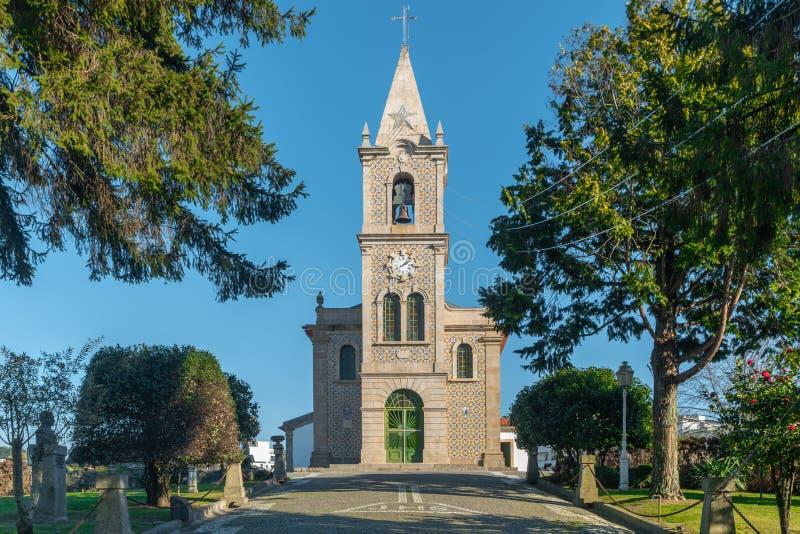 Iglesia de Santa Eulalia en Pacos de Ferreira, al norte de Portugal Iglesia de madre foto de archivo
