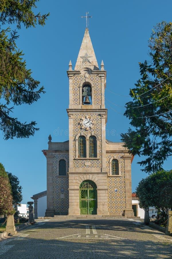 Iglesia de Santa Eulalia en Pacos de Ferreira, al norte de Portugal Iglesia de madre imagen de archivo