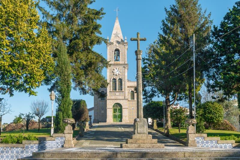 Iglesia de Santa Eulalia en Pacos de Ferreira, al norte de Portugal Iglesia de madre imagenes de archivo
