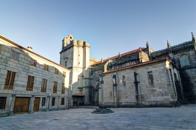 Iglesia de Santa Maria la Mayor en Pontevedra España Cruz de piedra foto de archivo
