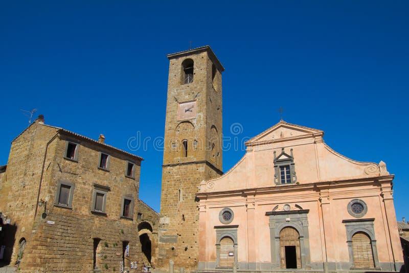 Iglesia de St Donato en Civita di Bagnoregio imagen de archivo