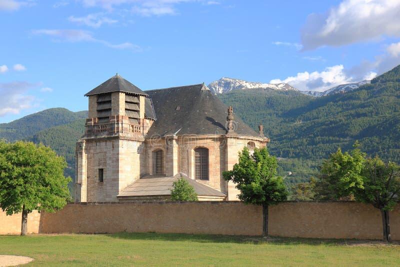 Iglesia de St. Louis en el Mont-delfín, Hautes-Alpes, Francia fotografía de archivo