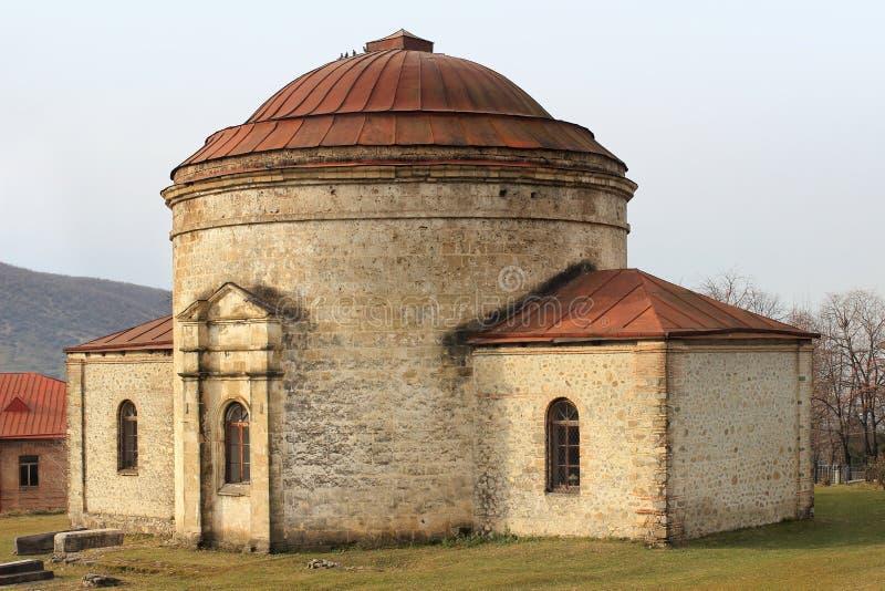 Iglesia de tres santos en la ciudad de Sheki, Azerbaijan imagenes de archivo