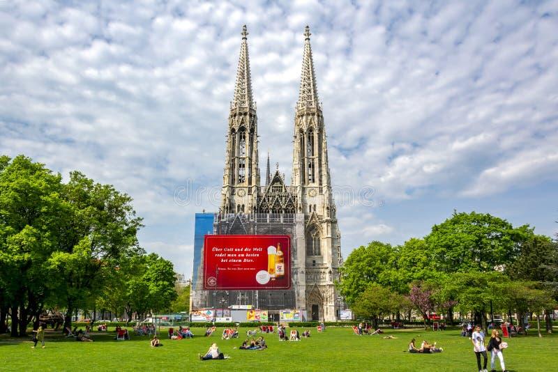 Iglesia de Votivkirche en el centro de Viena, Aistria imagen de archivo