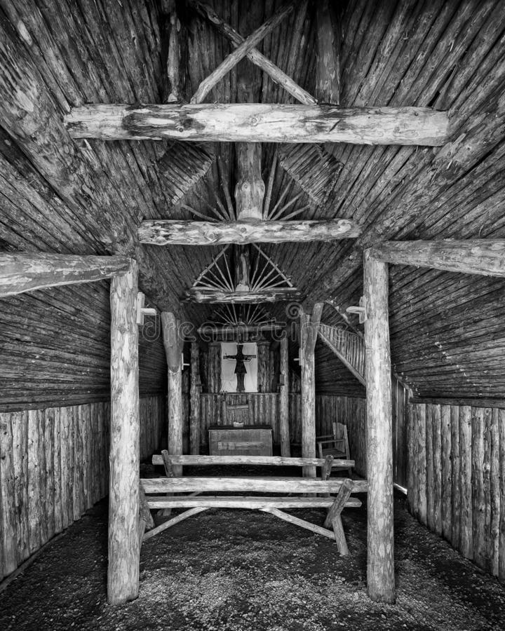 Iglesia del césped por Océano Atlántico en Terranova imagenes de archivo