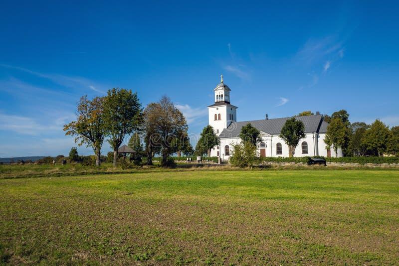 Iglesia del campo en Suecia imágenes de archivo libres de regalías