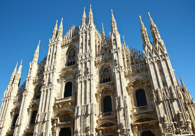 Iglesia del Duomo en Milano, Italia imagen de archivo libre de regalías