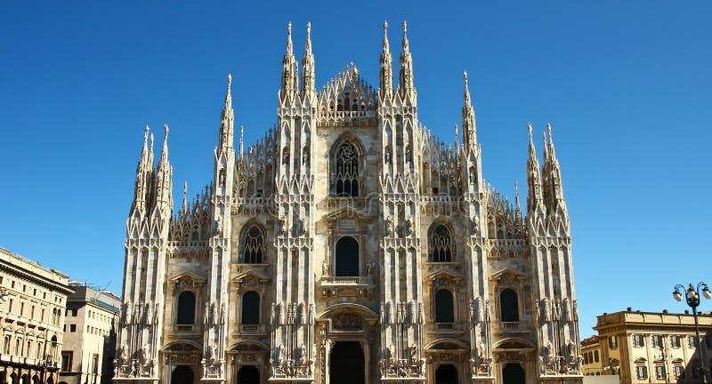 Iglesia del Duomo en Milano, Italia fotografía de archivo libre de regalías