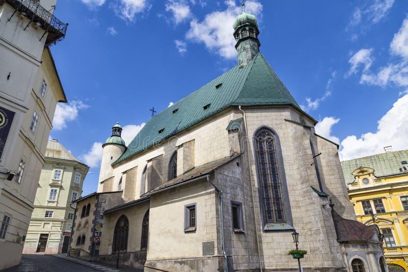 Iglesia del exterior del St Catherine, Banska Stiavnica, Eslovaquia fotos de archivo