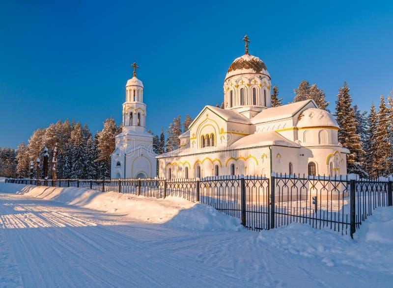 Iglesia del icono de nuestra señora de Kazán Pueblo de Urdoma Región de Arkhangelsk Rusia imagen de archivo libre de regalías