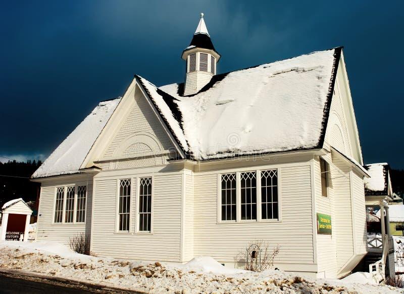 Iglesia del invierno foto de archivo