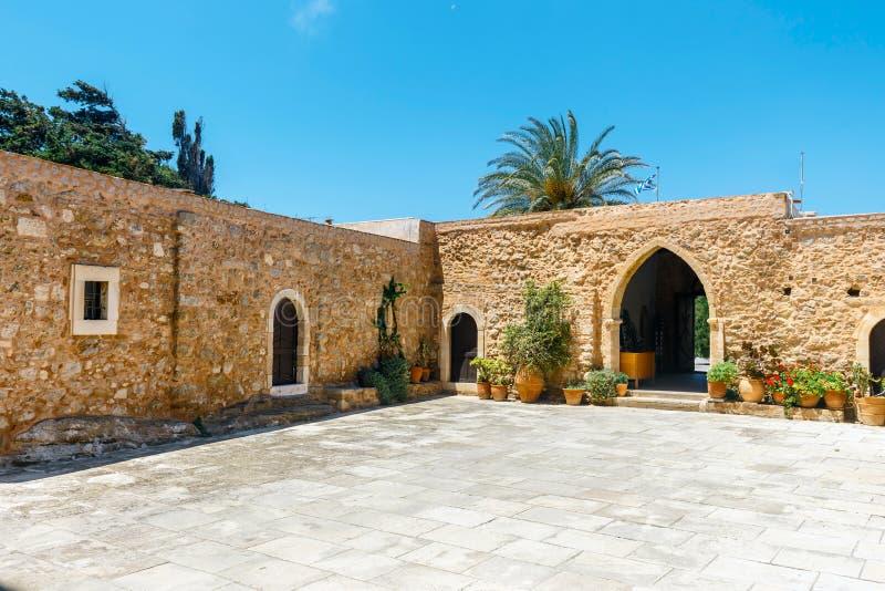 Iglesia del monasterio de Toplou crete imágenes de archivo libres de regalías