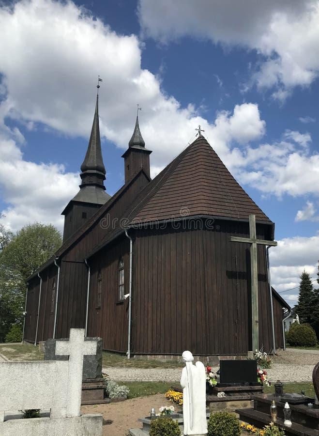 Iglesia del pueblo en Polonia, Borzyszkowy fotos de archivo libres de regalías