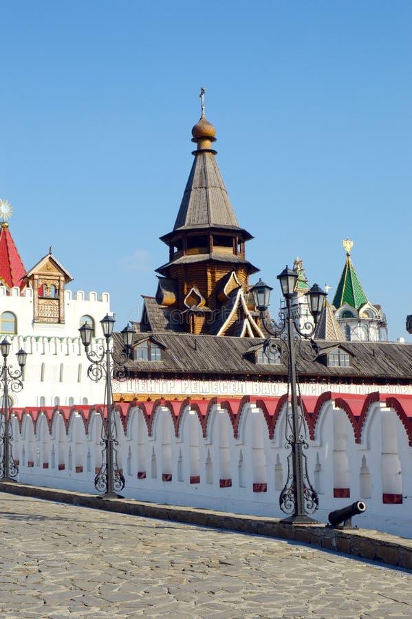 Iglesia del puente del St Nicholas Izmailovo Kremlin Moscow The la pared fotos de archivo libres de regalías